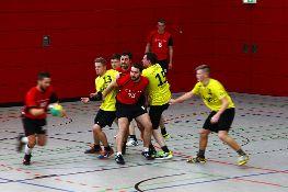 Spiel der Herren (in gelb).